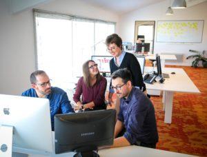 Agence web idealcoms : une équipe à votre écoute