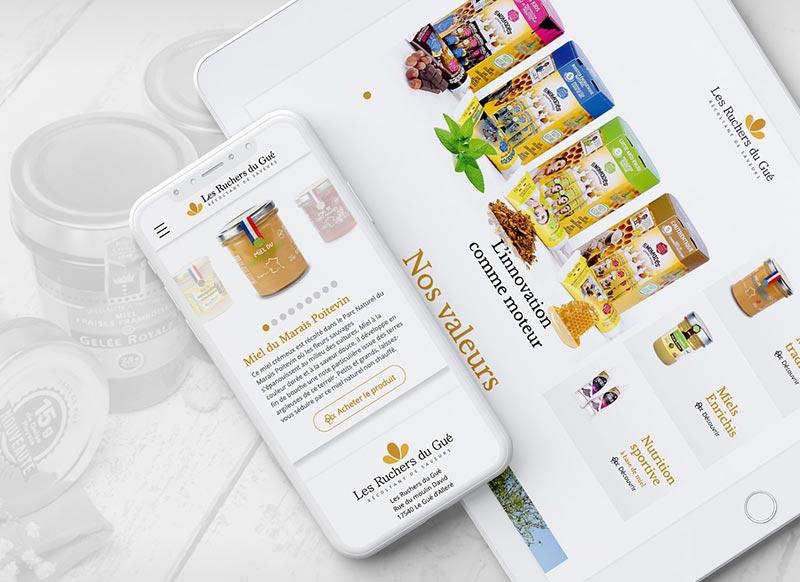Le site corporate de la marque ruchersdugue.fr récemment mis en ligne est la première brique du nouveau dispositif digital. Ce travail a été l'occasion d'opérer un repositionnement marketing, qui sera confirmé par l'arrivée prochaine des sites produits et e-commerce.