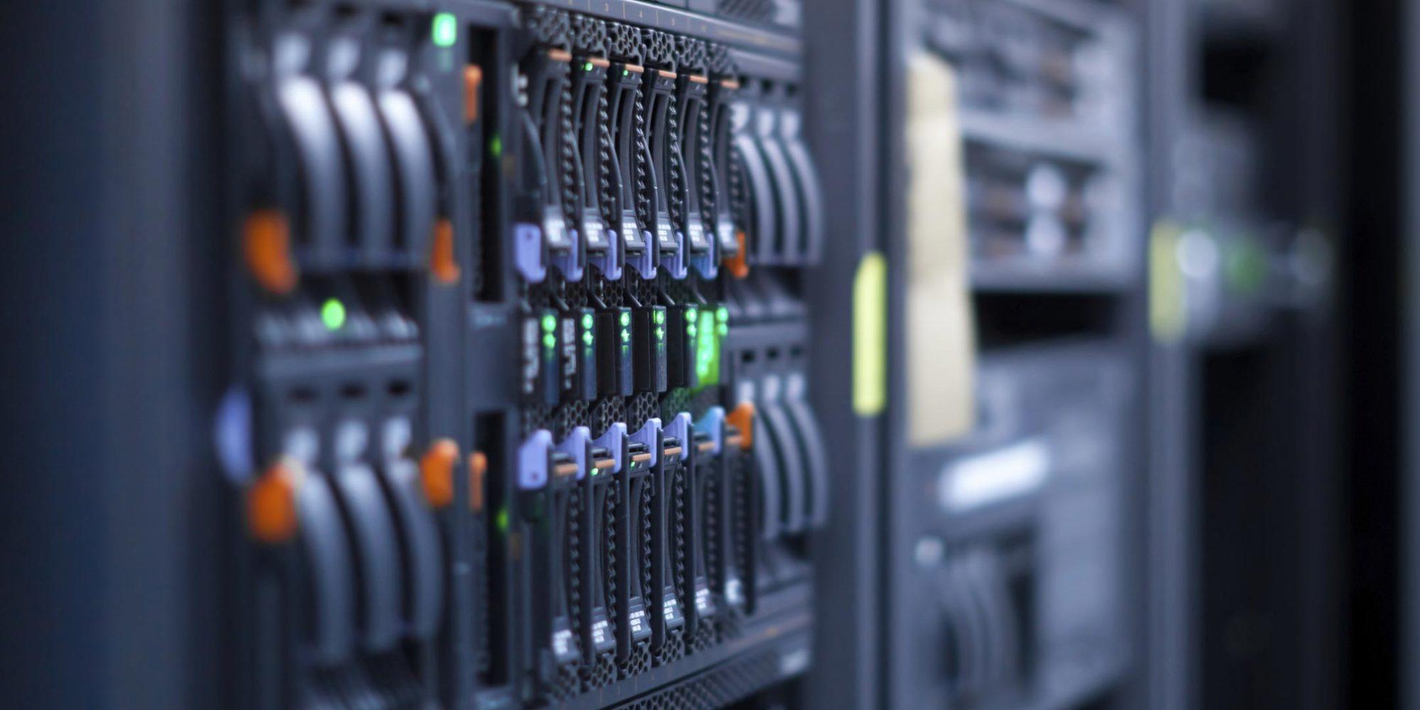 Hébergement web : notre offre est d'un niveau haute disponibilité avec un uptime garanti de 99,99% et une infrastructure réseau de 10Gb/s.